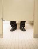 Hemoroizii cauzeaza probleme la toaleta